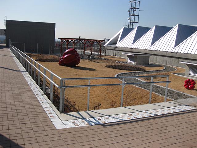立川市役所 屋上フェンス